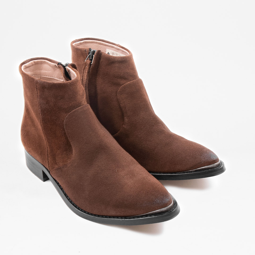 Electric W Brown Suede