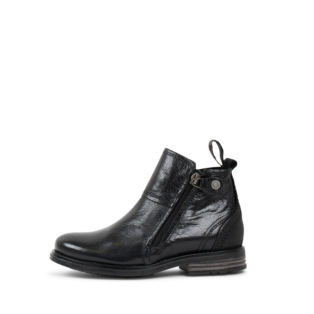 Heron-Kids-black-boots.2